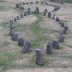 El doble barco de piedra de Anund, en Anundshog, Suecia. Crédito: Wikipedia Commons