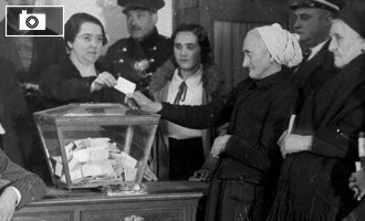 El 19 de noviembre de 2013, se cumplieron 80 años desde la primera vez que la mujer votó en España. Crédito: elconfidencial.com