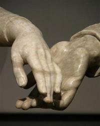 Detalle de las manos de los Amantes de Teruel.Crédito iberiaruralDetalle de las manos de los Amantes de Teruel.Crédito iberiarural