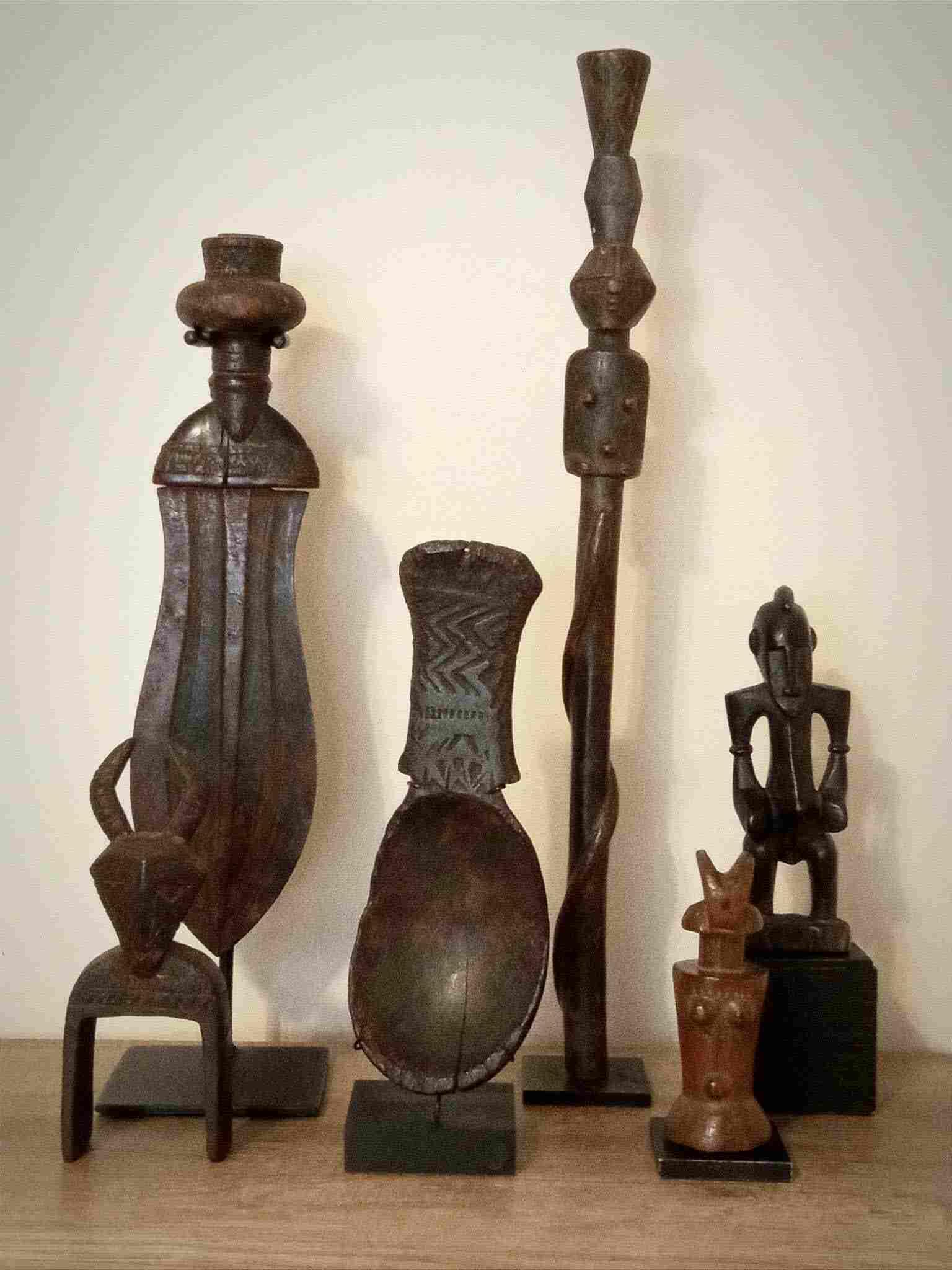 Varias piezas de arte tribal  africano