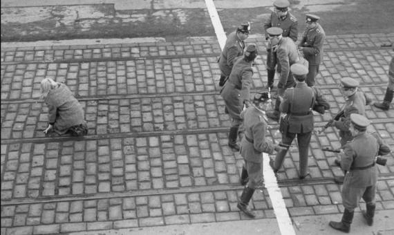 Linea Checkpoint Charlie